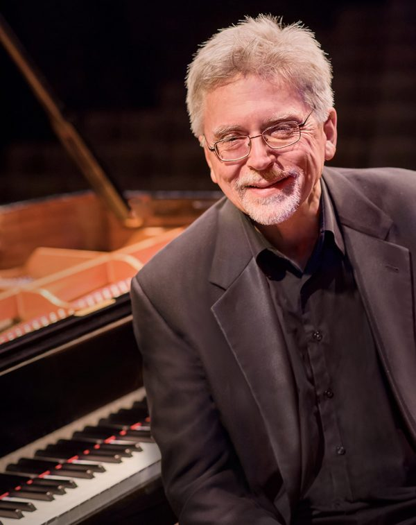Bob McDonald is a faculty member for the Taos School of Music Chamber music program
